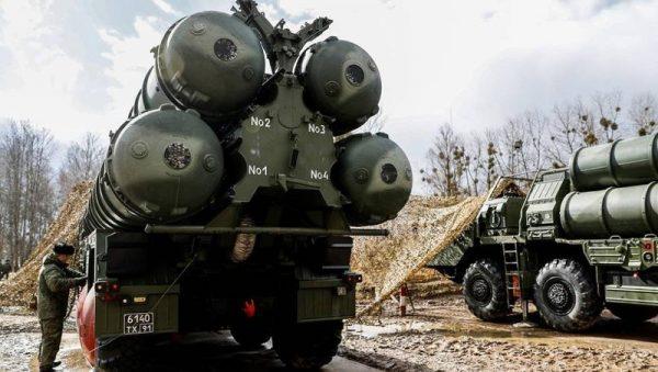 Phòng không Nga được trang bị thêm hệ thống tên lửa S-400