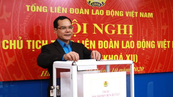 Tổng LĐLD Việt Nam kêu gọi công nhân, viên chức, lao động cả nước chung tay ủng hộ đồng bào bị lũ lụt ở miền Trung