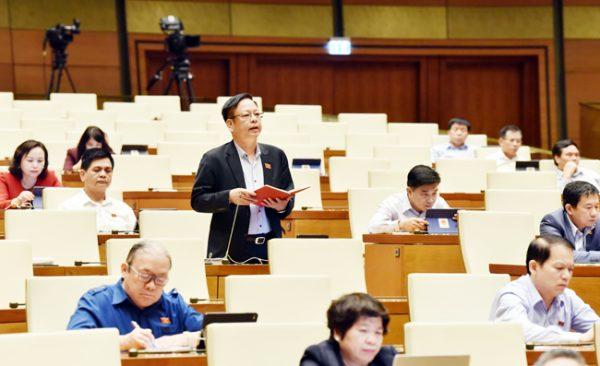 Ngày làm việc thứ năm, kỳ họp thứ 10: Quốc hội khóa XIV Trình Quốc hội bốn dự án Luật