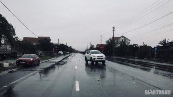 Mưa lũ ở Hà Tĩnh, Quảng Bình: Giao thông tại các tuyến đường hiện ra sao?