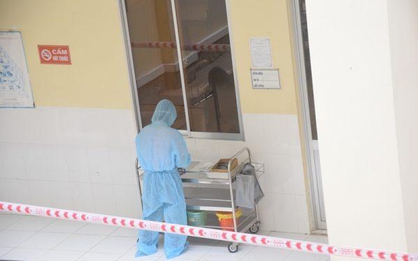 Người nữ về cùng BN 1440 dương tính lần một với SARS-CoV-2