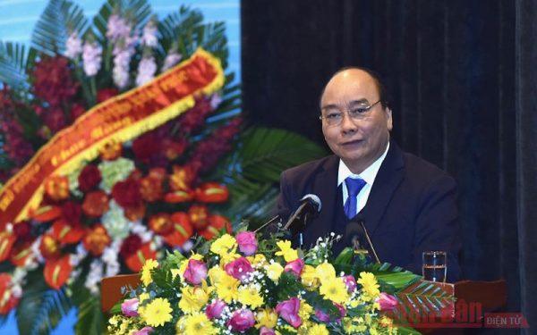 Thủ tướng Nguyễn Xuân Phúc dự hội nghị triển khai nhiệm vụ năm 2021 của Petrovietnam