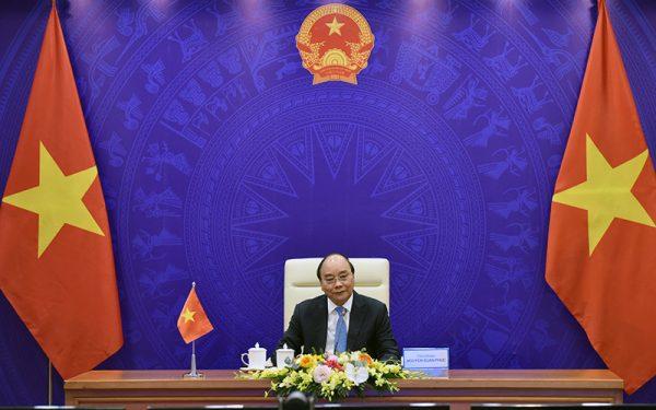 Thủ tướng Nguyễn Xuân Phúc hội đàm trực tuyến với các Thủ tướng Lào và Cam-pu-chia; điện đàm với Thủ tướng Xin-ga-po