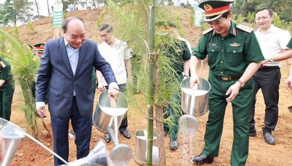 """""""Bảo vệ mỗi cây rừng như bảo vệ từng tấc đất thiêng liêng"""""""
