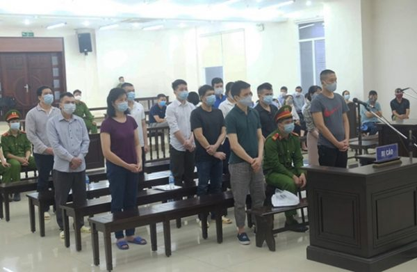 Hà Nội: 14 bị cáo trong vụ án buôn lậu tại Nhật Cường Mobile lĩnh án từ 3 – 14 năm tù