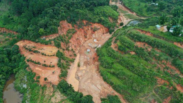 """Lâm Đồng """"điểm danh"""" nhiều doanh nghiệp khai thác khoáng sản không phép"""