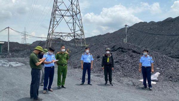 Tiếp vụ đường dây khai thác 'chui' hàng triệu tấn than: Hai 'đại gia lan đột biến' liên quan gì?