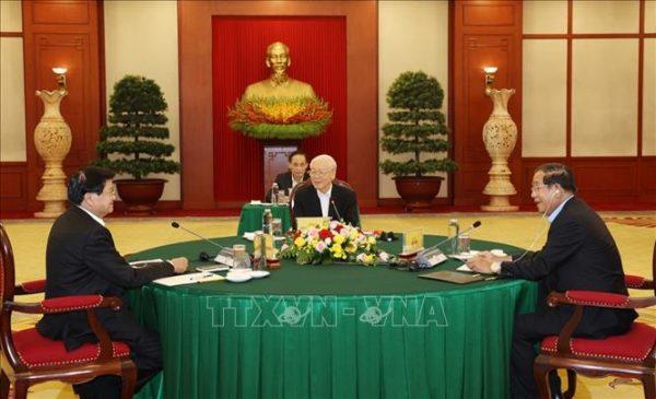 Tổng Bí thư Nguyễn Phú Trọng dự cuộc gặp cấp cao Việt Nam – Campuchia – Lào